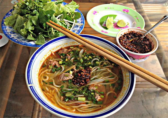 Mussel rice noodles  in Hue