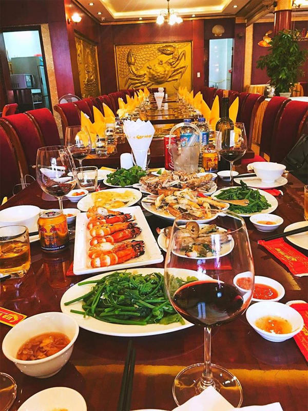 Cua Vang Restaurant in Halong City