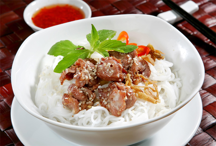Bún Thịt Nướng - The Noodles with Grilled Pork