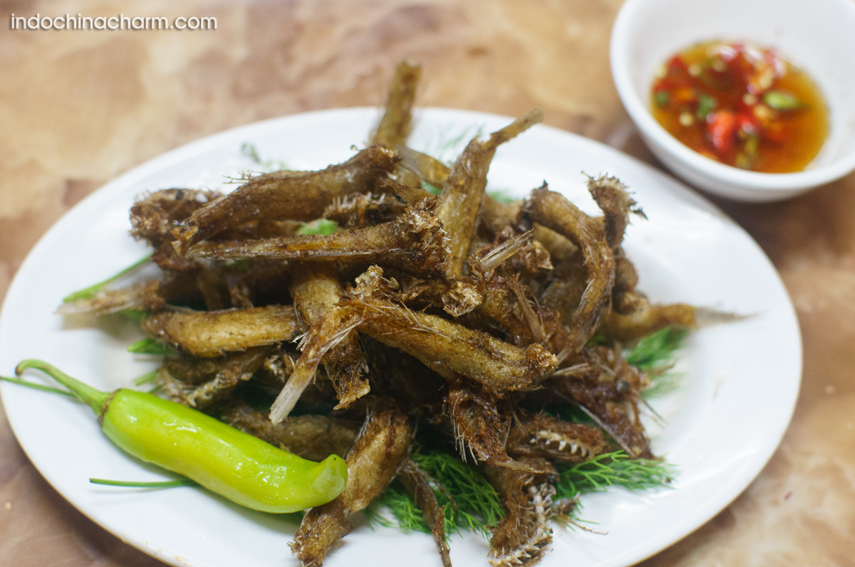 Fried fishes to eat with local beer