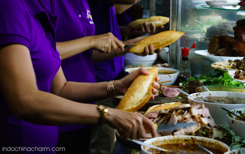 "Rush hour at ""Banh Mi Phuong"" sandwich restaurant in Hoi An"