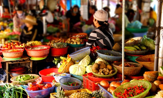 Take a walk to Hoi An Market