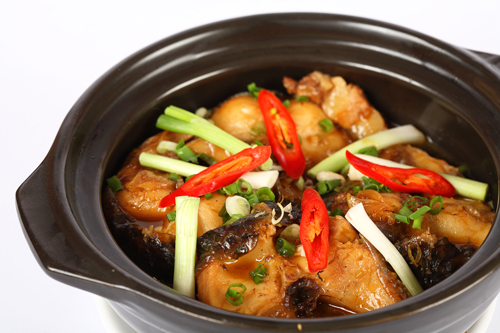 Cá Kho Tộ - braised fish in clay pot