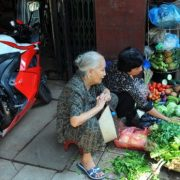 Hanoi Old Quater – the ideal place for food tour in the city