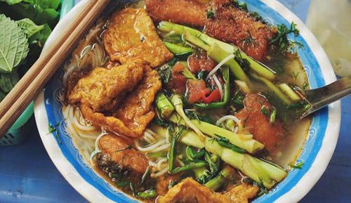 Bún Cá (rice vermicelli with fish)