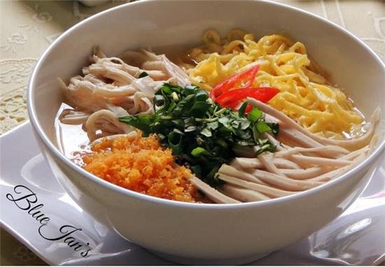 Bun Thang for Hanoi Breakfast
