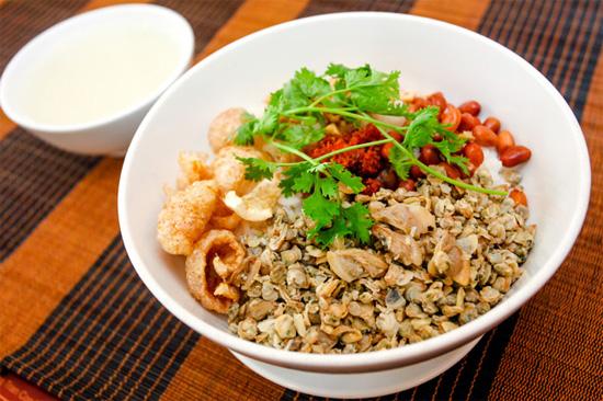 Hue Mussel Rice (Com Hen)