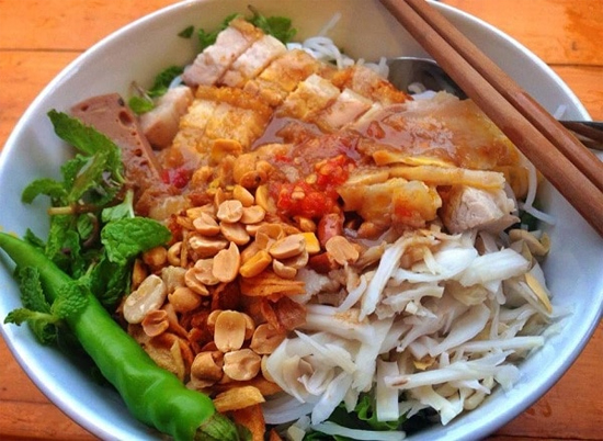 Bun Mam Saigon (Vietnamese fermented fish vermicelli soup)