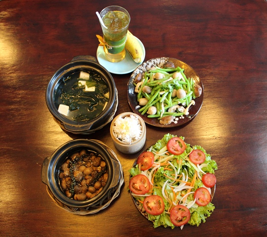 Vegetarian meal at Rice Restaurant