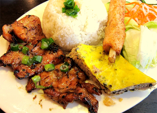 Com Tam (Vietnamese broken rice)