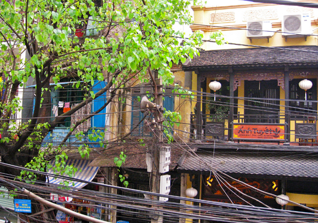 Anh Tuyet Restaurant at 22 Ma May Street, Hanoi Old Quarter