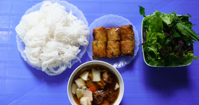 Bun Cha (rice noodle with barbecued pork)