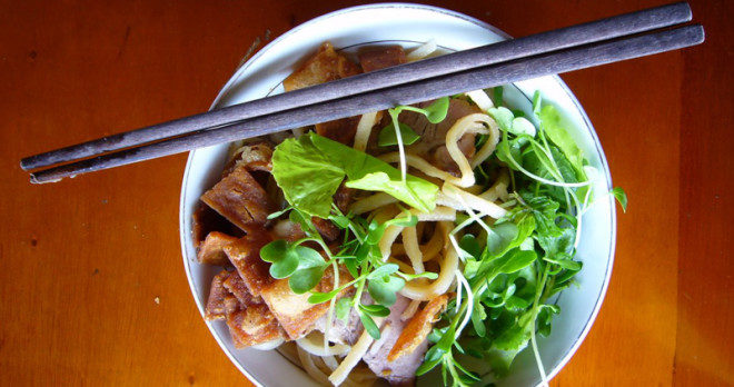 Cao Lau - a kind of noodles to try in Hoi An food tour