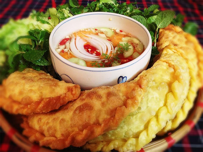 Empanada Dumpling in Hanoi (Bánh Gối)