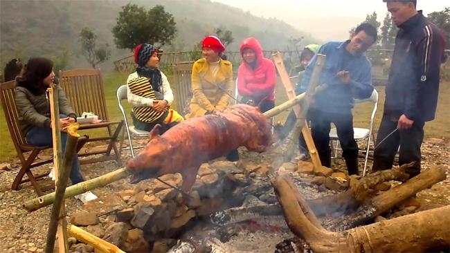 Grilled or Roasted Pork (Lợn Cắp Nách)