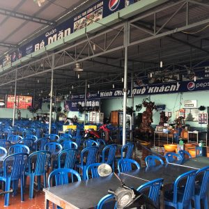 Be Man - One of the busy seafood restaurats in Da Nang