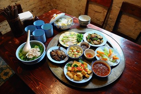 Traditional Vietnamese Family Meal