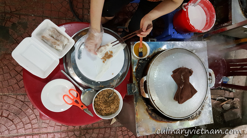 Cao Bang rolled cakes to try during Hanoi food tour.