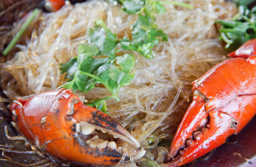 Fried vermicelli with seafood