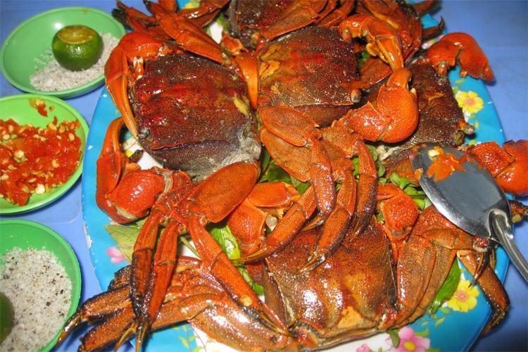 The salted fiddler crab (Ba Khía Muối)