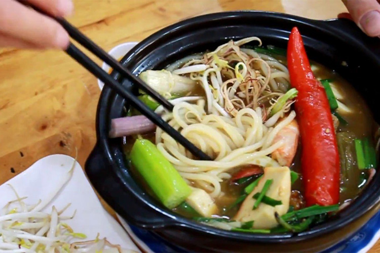 Fish stew with water lily (Bông Súng Mắm Kho)