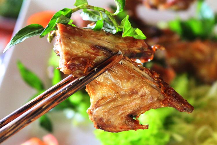 Field mice grilled in the terracotta jar (Chuột Đồng Nướng Lu)