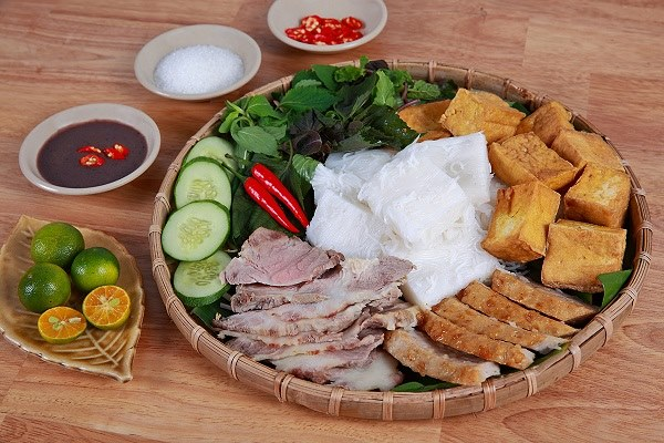 Bun Dau Mam Tom (vermicelli with shrimp paste)