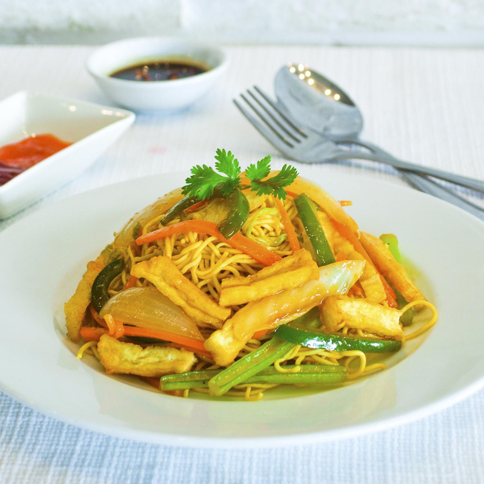 Stir-fried Vegetarian Instant Noodles (Mi Xao Chay)
