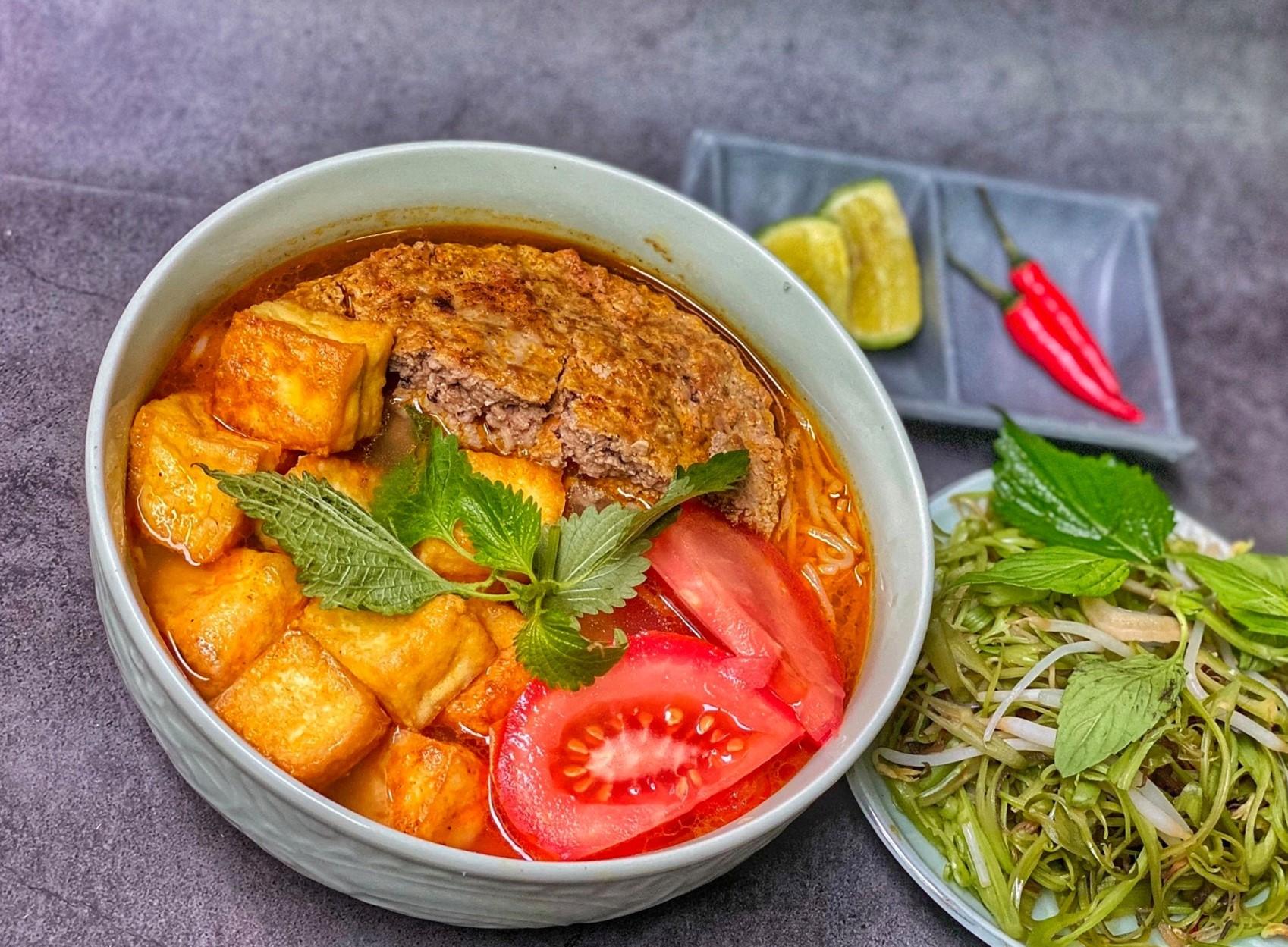 Bun Rieu Cua: Hanoi Crab Noodle Soup
