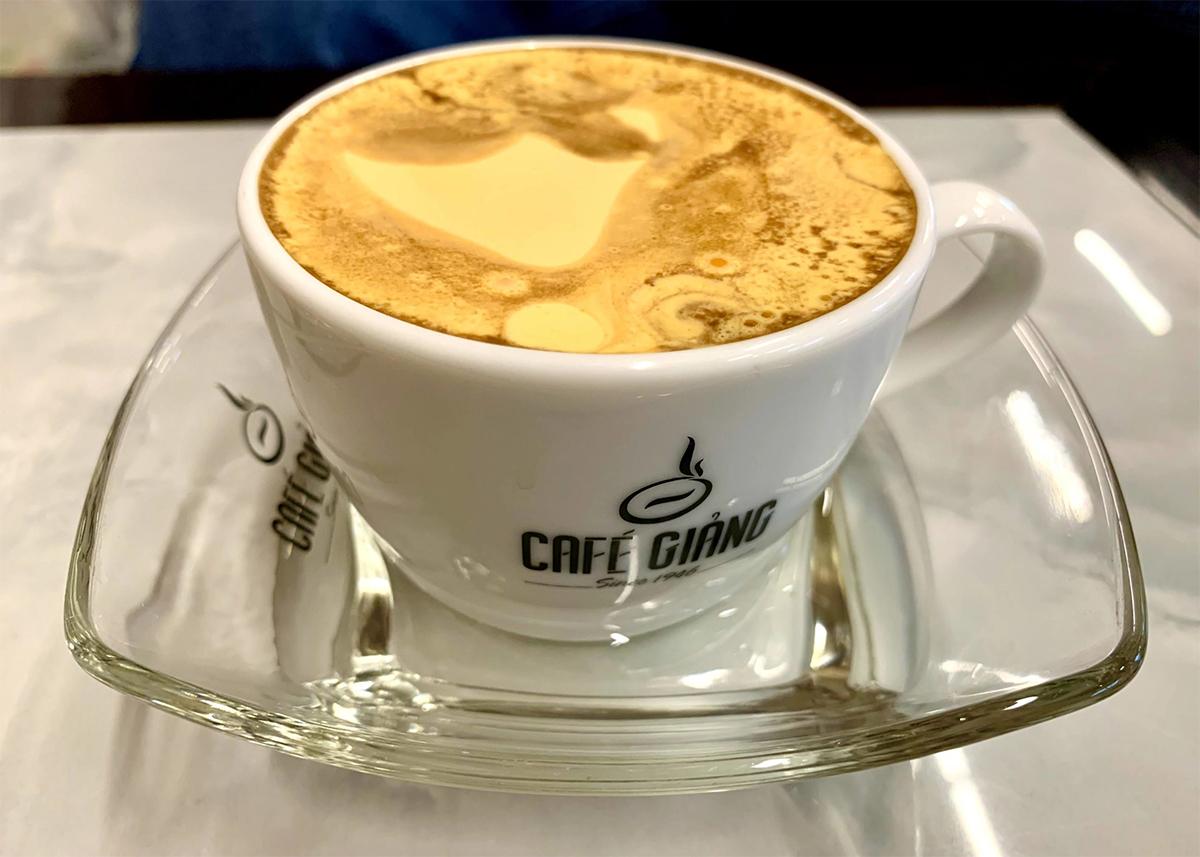 Ca Phe Trung Hanoi: Giang Egg Coffee